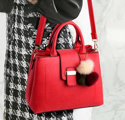 ขายส่ง กระเป๋าผู้หญิงถือและสะพายข้าง เรียบหรู 3 ช่องเก็บของรหัส KO-854 สีแดง *แถมปอม3สี