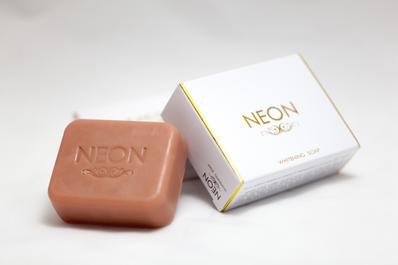 สบู่ NEON WHITENING SOAP
