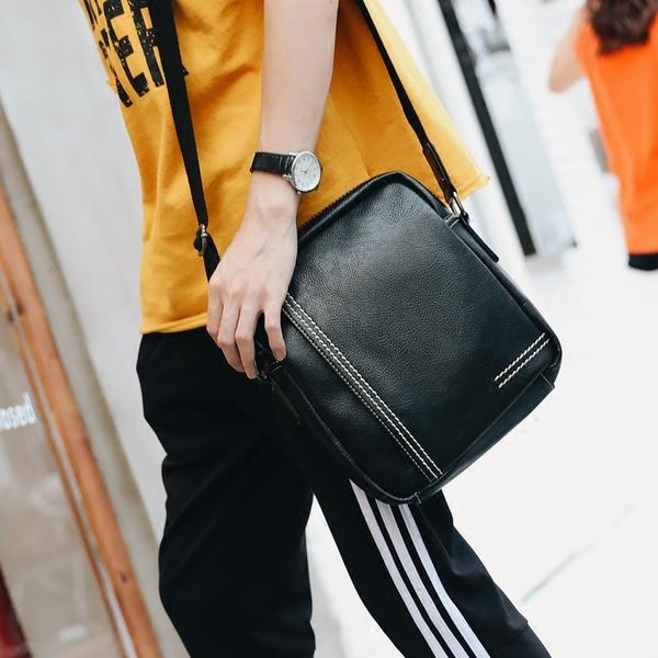 พร้อมส่ง ขายส่ง กระเป๋าสะพายข้างลำลอง ใส่ ipad 8 นิ้ว แฟขั่นเกาหลี รหัส Man-9864 สีดำ 1 ใบ