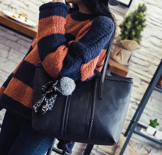 ขายส่งกระเป๋าผู้หญิงสะพายไหล่ใบใหญ่ แต่งโบว์ผ้า แฟชั่นเกาหลี Fashion bag รหัส DU-435 สีดำ