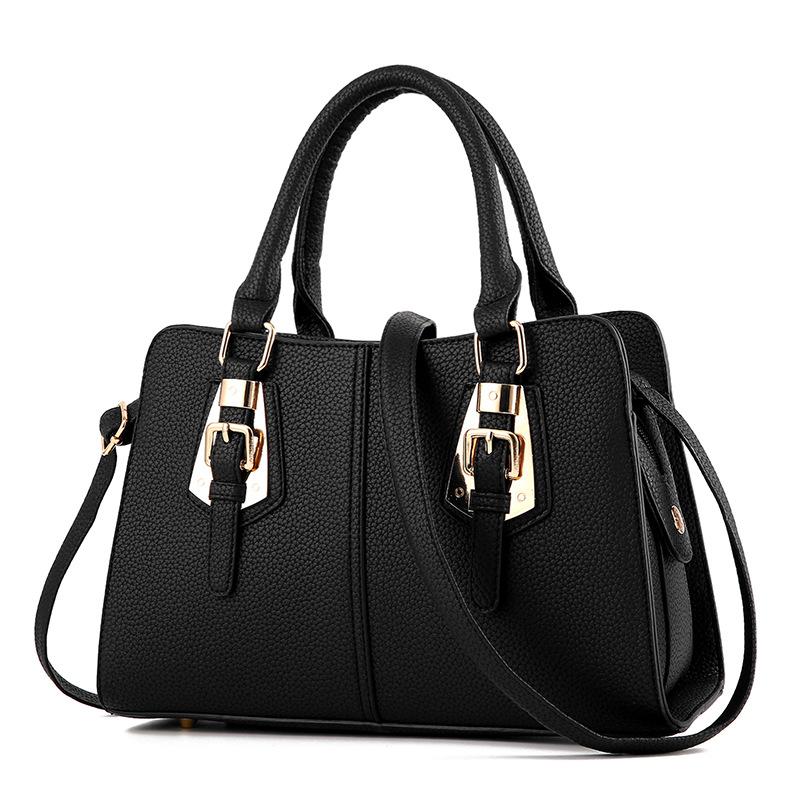 พร้อมส่ง ขายส่งกระเป๋าผู้หญิงถือลาย แต่งเข็มขัด กระเป๋าผู้ใหญ่ถือออกงาน ถือทำงาน รหัส Yi-2093 สีดำ