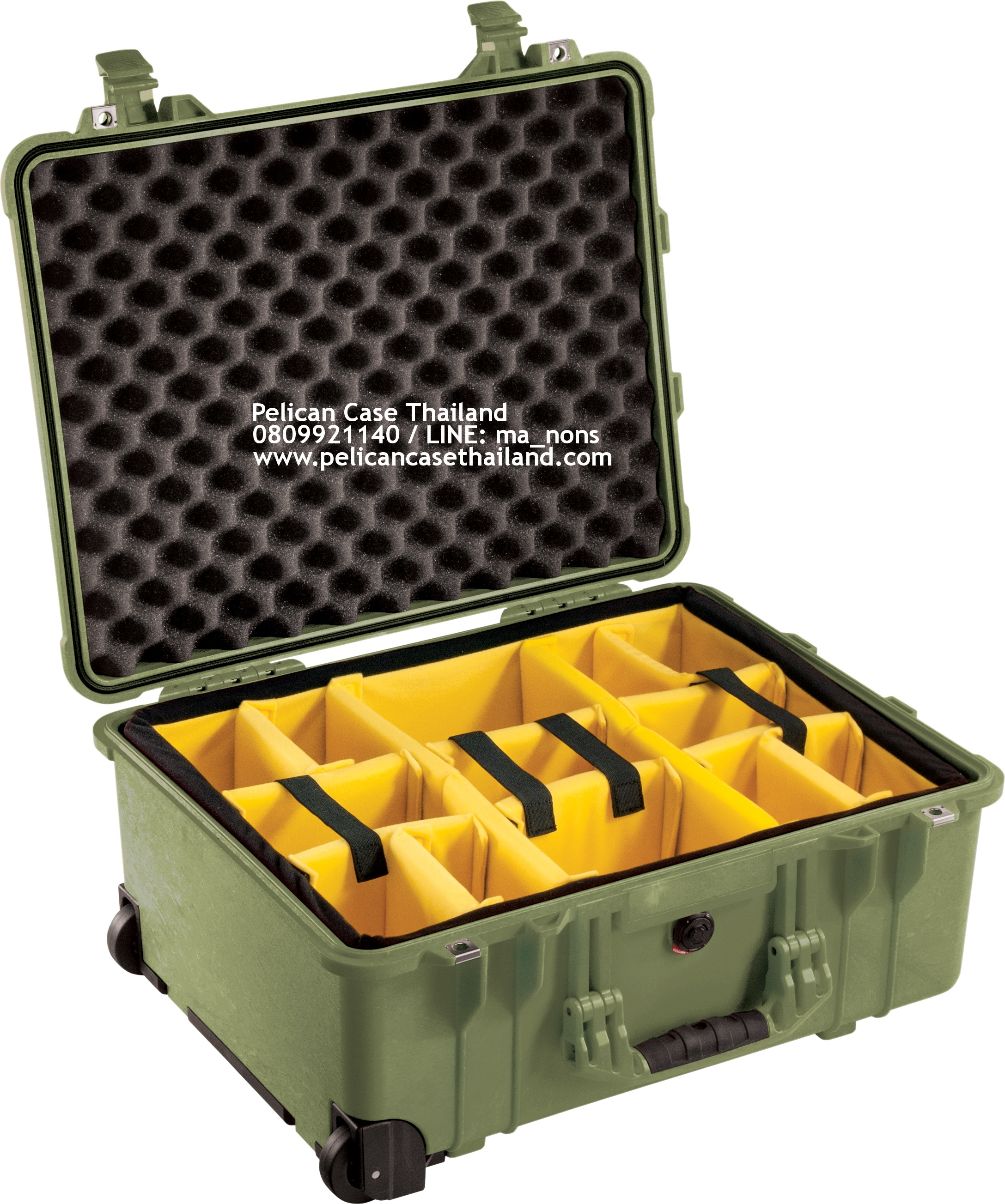 PELICAN™ 1560 with Padded Divider, OD Green (ช่องเเท้จากโรงงาน USA)