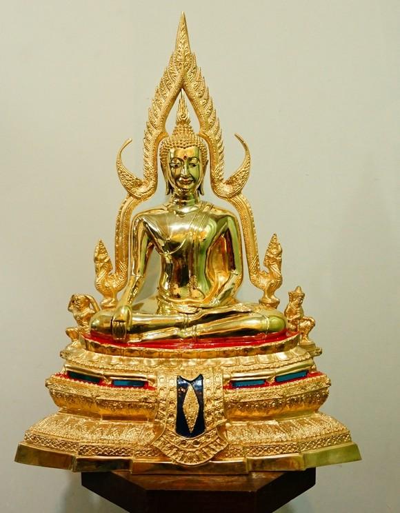 พระพุทธชินราช 9นิ้ว ทองเหลือง ขัดเงา ฐานเตี้ย