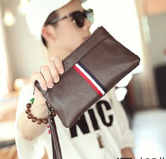 พร้อมส่ง กระเป๋าคลัทซ์ พร้อมสายคล้องมือผู้ชายแฟชั่นเกาหลี รหัส Man-6034 สีน้ำตาล