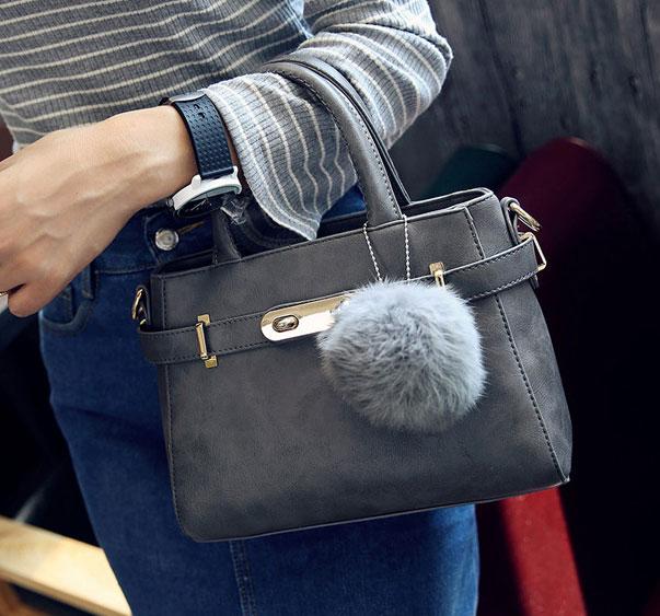 ขายส่งกระเป๋าผู้หญิง สะพายข้างใบเล็ก แต่งเข็มขัดล๊อค สไตล์แบร์น แฟชั่นเกาหลี Fashion bag รหัส DU-014 สีเทา