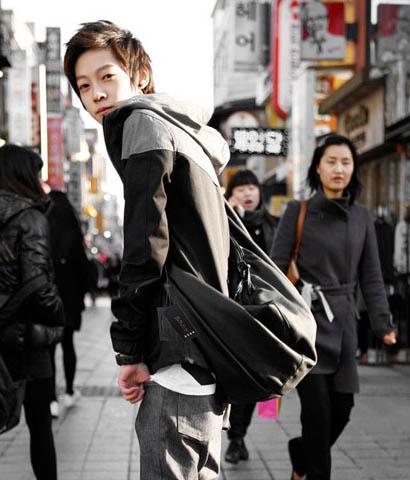 พร้อมส่ง กระเป๋าผู้ชายคาดไหล่ คาดหลัง แฟขั่นเกาหลี รหัส Man-633 สีดำ