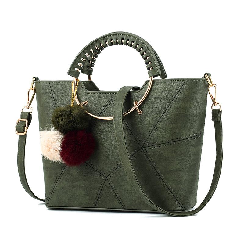 พร้อมส่ง ขายส่ง กระเป๋าผู้หญิงถือและสะพายข้างแฟชั่นสไตล์เกาหลี ลายเรขาคณิต ห่วงถือกลม รหัส KO-459 สีเขียว *แถมพู่สามสี