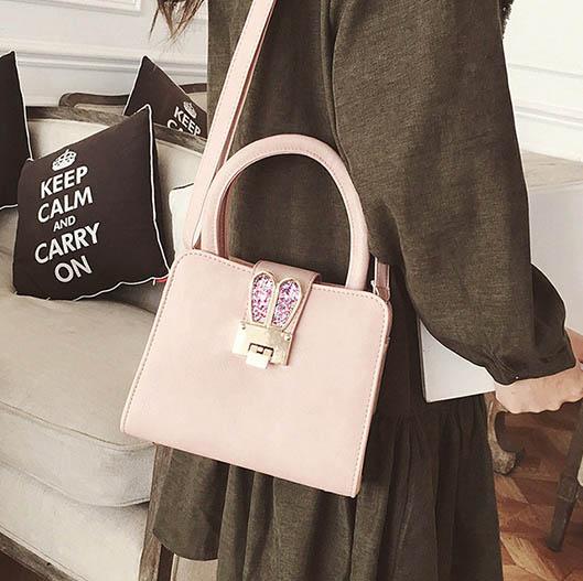 พร้อมส่ง กระเป๋าผู้หญิงถือและสะพายข้างหนัง PU แต่งหูกระต่ายใบเล็กน่ารัก Fashion bag รหัส G-545 สีชมพู 2 ใบ