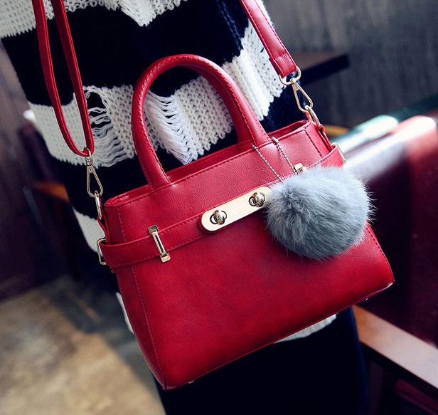 ขายส่งกระเป๋าผู้หญิง สะพายข้างใบเล็ก แต่งเข็มขัดล๊อค สไตล์แบร์น แฟชั่นเกาหลี Fashion bag รหัส DU-014 สีแดง