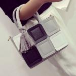 พร้อมส่ง ขายส่ง กระเป๋าผู้หญิงถือและสะพาย สลับสีแต่งผ้าพันคอ และพู่ฝอยห้อยแฟชั่นเกาหลี Fashion bag รหัส DU-993 สีเทา 1 ใบ