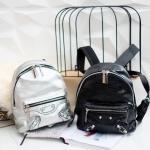 กระเป๋าเป้แบรนด์ Massimo Dutti รุ่นหายาก มี 2 สี ดำ และ เงินเมทาลิค