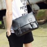 พร้อมส่ง ขายส่ง กระเป๋าหนังสะพายข้างผู้ชาย ใส่ Tab 10 นิ้ว Messenger bag แฟขั่นเกาหลี รหัส Man-302 สีดำ