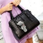 ขายส่ง กระเป๋าถือและสะพายข้าง เย็บตารางแฟชั่นเกาหลี Sunny-763 สีดำ *แถมตุ๊กตาหมีเทา