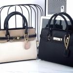 กระเป๋าแบรนด์ Keep รุ่น Ellis มี 2 สี สีดำล้วน และ สีทรีโทน(สามสี)