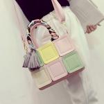 พร้อมส่ง ขายส่ง กระเป๋าผู้หญิงถือและสะพาย สลับสีแต่งผ้าพันคอ และพู่ฝอยห้อยแฟชั่นเกาหลี Fashion bag รหัส DU-993 สีเขียว