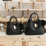 กระเป๋าแบรนด์ KEEP รุ่น LALA BAG ขนาด Classic มี 6 สี ดำ, กรม, ครีมเบจ, น้ำตาล, ชมพู, เงินเมทาลิค