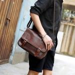 พร้อมส่ง ขายส่ง กระเป๋าหนังสะพายข้างผู้ชาย ใส่ Tab 10 นิ้ว Messenger bag แฟขั่นเกาหลี รหัส Man-302 สีกาแฟเข้ม