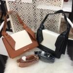กระเป๋าแบรนด์ Charles & Keith รุ่น KNOTTED STRAP HANDBAG มี 2 สี ดำ, น้ำตาล