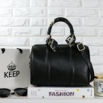 กระเป๋าแบรนด์ Keep รุ่น KEEP sheep leather Pillow bag เหลือสีดำสีเดียวจ้า