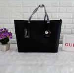 กระเป๋า Guess รุ่น LARGE TOTE BAG สีดำ
