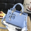 ขายส่ง กระเป๋าผู้หญิงถือและสะพายข้างแฟชั่นสไตล์เกาหลี แต่งโบว์ห้อยจี้ดอกไม้ รหัส KO-612 สีฟ้า thumbnail 1