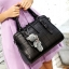 ขายส่ง กระเป๋าถือและสะพายข้าง เย็บตารางแฟชั่นเกาหลี Sunny-763 สีดำ *แถมตุ๊กตาหมีเทา thumbnail 1