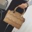 ขายส่งกระเป๋าผู้หญิงถือและสะพายข้าง ร่องคลื่นน้ำ แฟชั่นเกาหลี Fashion bag รหัส DU-928 สีกากีเข้ม thumbnail 1
