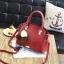 พร้อมส่ง ขายส่ง กระเป๋าผู้หญิงถือและสะพายข้างแฟชั่นสไตล์เกาหลี แต่งพู่สามสี รหัส KO-199 สีไวน์แดง thumbnail 1