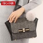 พร้อมส่งกระเป๋าถือและสะพายข้างแฟชั่นเกาหลี Axixi-11554 ของแท้ สีดำ