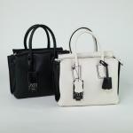 กระเป๋าหนังแท้ แบรนด์ Amory รุ่น twitch mini bag มี 6 สี ดำ น้ำตาล ขาวดำ เทาอ่อน แดง น้ำเงิน