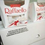 เฟอเรโร่มะพร้าว ferrero rafaello ราคาถูก 180 บาท (15ชิ้น)